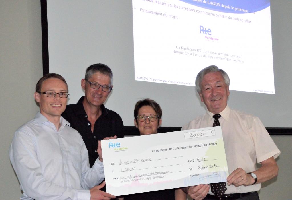 Remise de l'aide financière de la fondation RTE